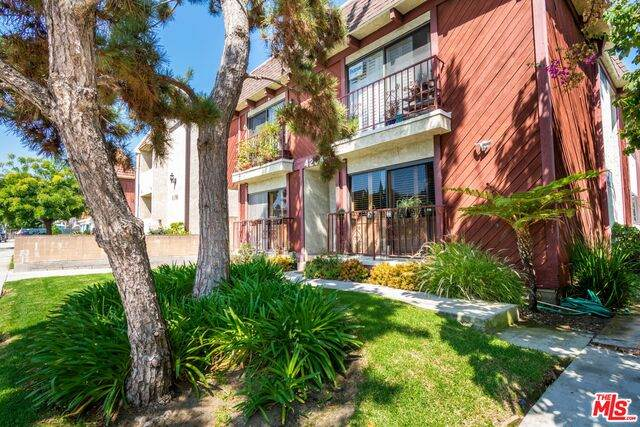 4204 Duquesne Ave #102, Culver City, CA 90232 (#20-623810) :: TruLine Realty