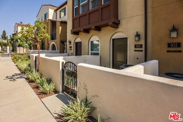 935 E Drapery Ln #935, Anaheim, CA 92802 (#20-623812) :: HomeBased Realty