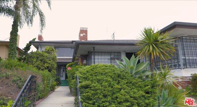 5411 W Slauson Ave, Los Angeles, CA 90056 (#20-625522) :: Eman Saridin with RE/MAX of Santa Clarita