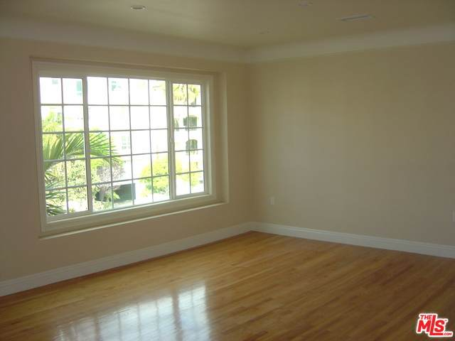 1415 Beverly Glen Blvd - Photo 1