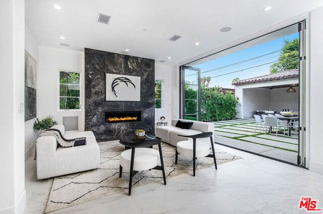 6721 Drexel Ave, Los Angeles, CA 90048 (#20-627230) :: Lydia Gable Realty Group