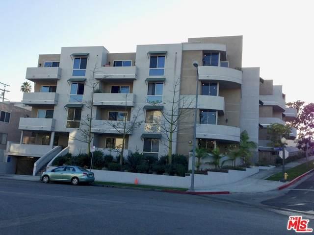 1551 Manning Ave - Photo 1