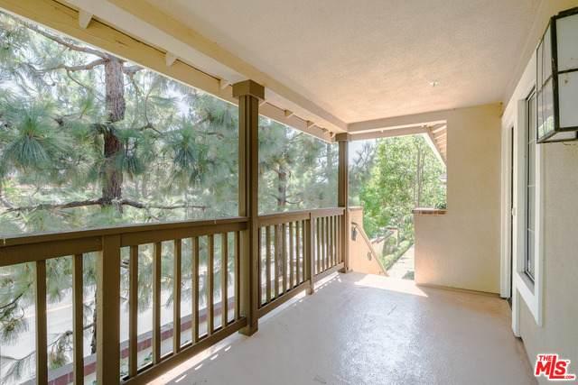 221 Gallery Way, Tustin, CA 92782 (#20-629738) :: HomeBased Realty