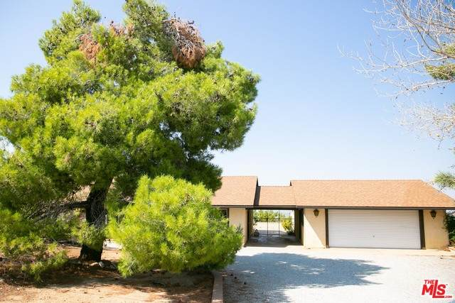 2722 Arrowhead, Pinon Hills, CA 92372 (#20-630064) :: HomeBased Realty