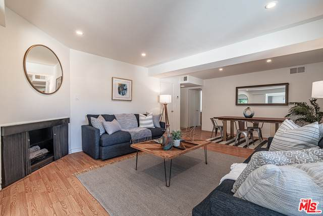 1021 N Crescent Heights #106, West Hollywood, CA 90046 (MLS #20-630204) :: Zwemmer Realty Group
