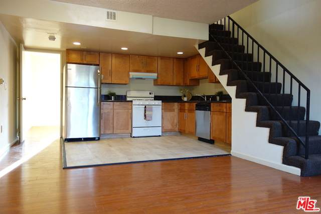 4313 Russell Ave - Photo 1