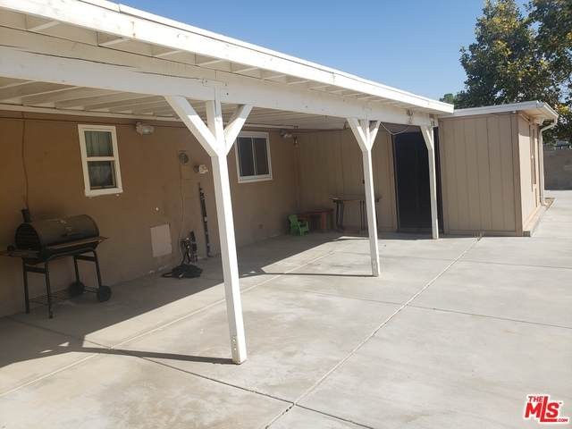 Yucca Tree St, Palmdale, CA 93551 (#20-632824) :: Randy Plaice and Associates