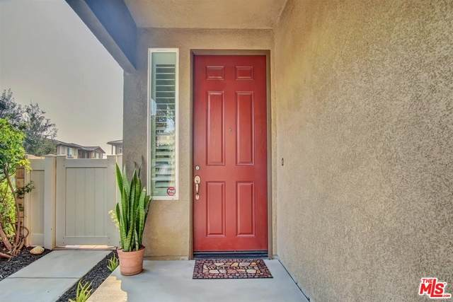 11931 Olive Glen Ln, Los Angeles, CA 90047 (#20-633944) :: Compass