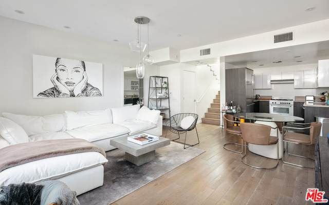 944 N Stanley Ave #3, West Hollywood, CA 90046 (#20-634138) :: The Suarez Team