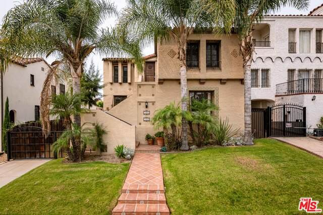 1323 S Sycamore Ave, Los Angeles, CA 90019 (#20-634450) :: Lydia Gable Realty Group