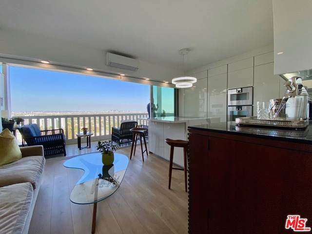 999 N Doheny Dr #1208, West Hollywood, CA 90069 (#20-635032) :: The Suarez Team