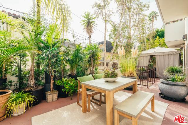 130 N Swall Dr #103, Beverly Hills, CA 90211 (#20-635320) :: HomeBased Realty