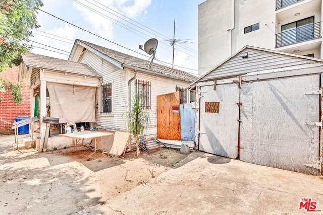 6113 Vesper Ave, Van Nuys, CA 91411 (#20-635616) :: HomeBased Realty