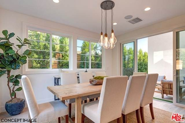 1623 S Mansfield Ave, Los Angeles, CA 90019 (#20-635810) :: The Parsons Team