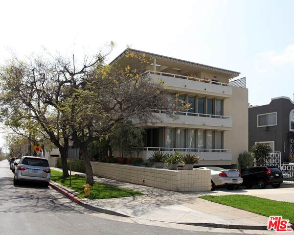 11902 Gorham Ave, Los Angeles, CA 90049 (#20-636094) :: Compass