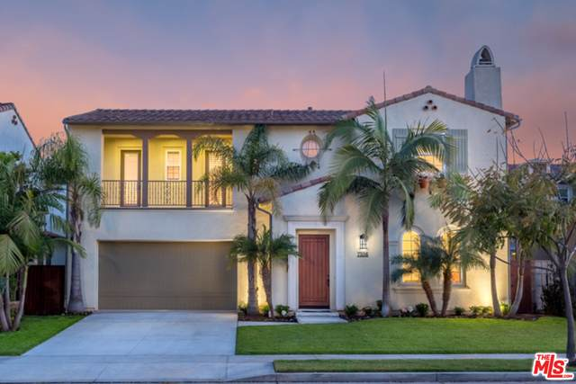 7556 Coastal View Dr, Los Angeles, CA 90045 (#20-636126) :: Randy Plaice and Associates