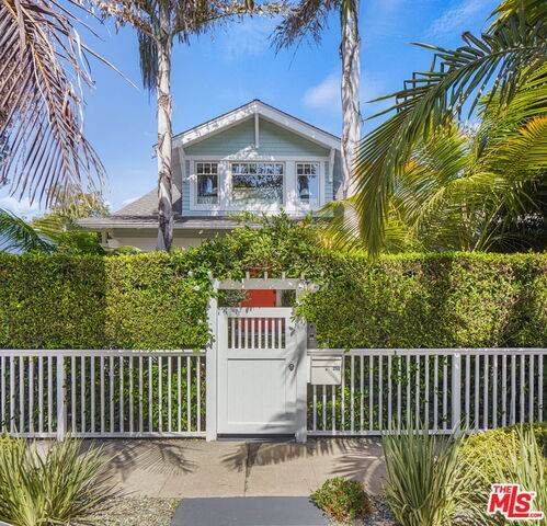 255 Market St, Venice, CA 90291 (#20-636752) :: HomeBased Realty