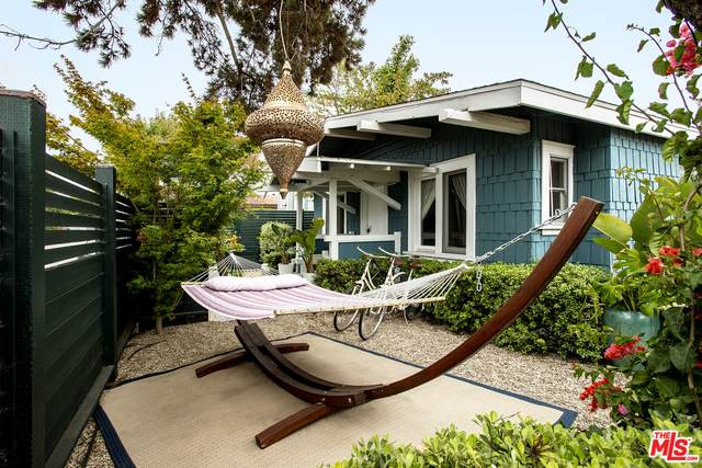 402 Brooks Ave, Venice, CA 90291 (#20-636936) :: HomeBased Realty