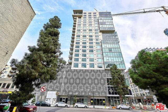 1050 S Grand Ave #2005, Los Angeles, CA 90015 (#20-636986) :: HomeBased Realty