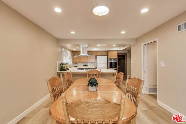 15805 S Saint Andrews Pl, Gardena, CA 90247 (#20-637298) :: HomeBased Realty