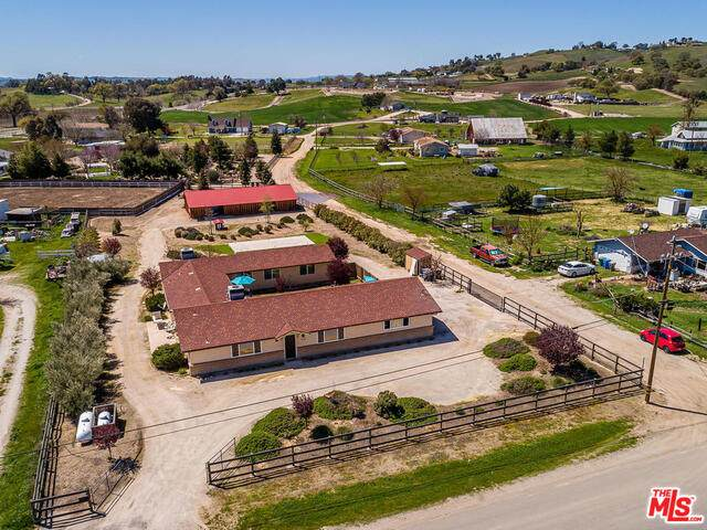 2915 Geneseo Rd, Paso Robles, CA 93446 (#20-637356) :: TruLine Realty