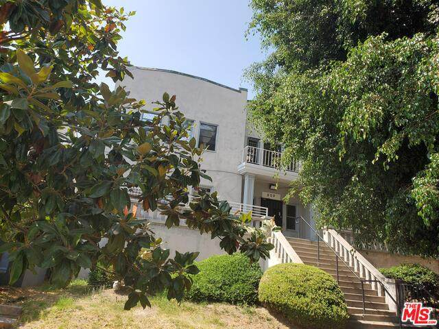 815 S New Hampshire Ave, Los Angeles, CA 90005 (#20-637384) :: The Parsons Team