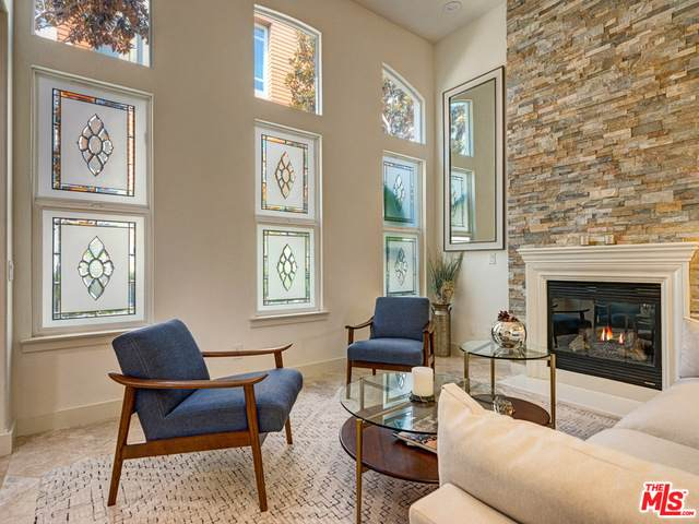 6011 Dawn Crk #6, Playa Vista, CA 90094 (#20-637426) :: HomeBased Realty