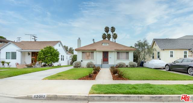 12017 Ayres Ave, Los Angeles, CA 90064 (#20-637544) :: The Parsons Team
