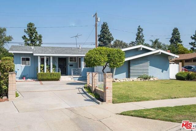 16513 Kingsbury St, Granada Hills, CA 91344 (#20-637846) :: The Pratt Group
