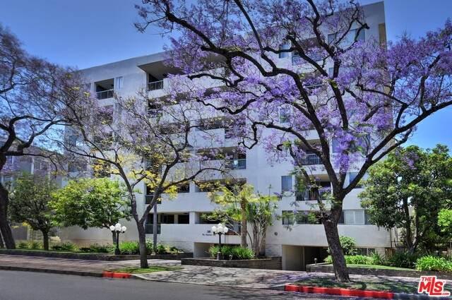 321 N Oakhurst Dr #204, Beverly Hills, CA 90210 (#20-637956) :: Compass