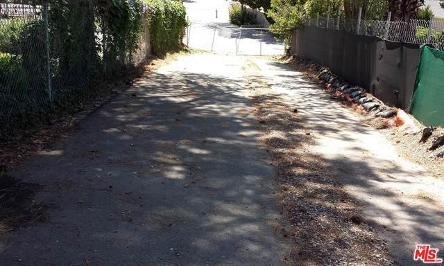 4180 Natoma Ave, Woodland Hills, CA 91364 (#20-638112) :: Compass