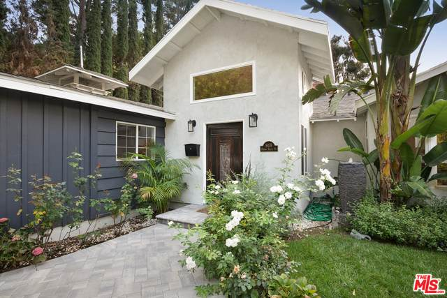 9476 Hidden Valley Pl, Beverly Hills, CA 90210 (#20-638148) :: Compass