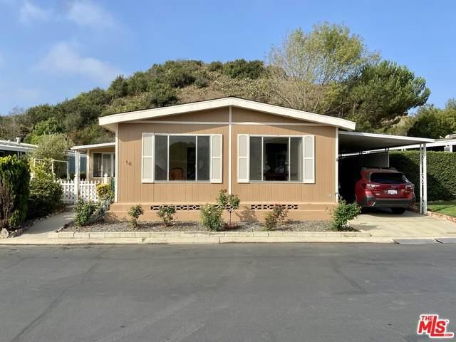 16 Margarita Ave #216, Camarillo, CA 93012 (#20-638210) :: The Suarez Team