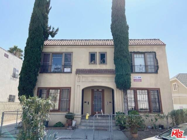 2752 W 15Th St, Los Angeles, CA 90006 (#20-638262) :: HomeBased Realty
