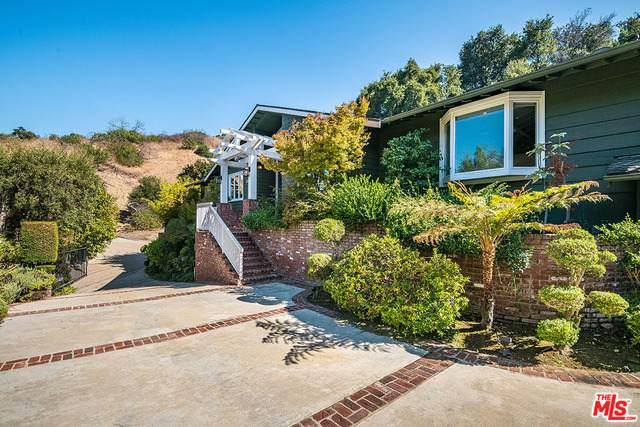 3621 Shady Oak Rd, Studio City, CA 91604 (#20-638274) :: HomeBased Realty