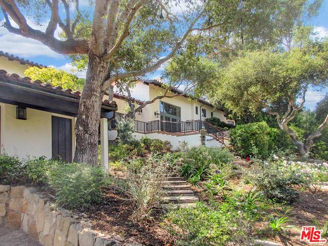 475 Woodley Rd, Montecito, CA 93108 (#20-638580) :: The Parsons Team