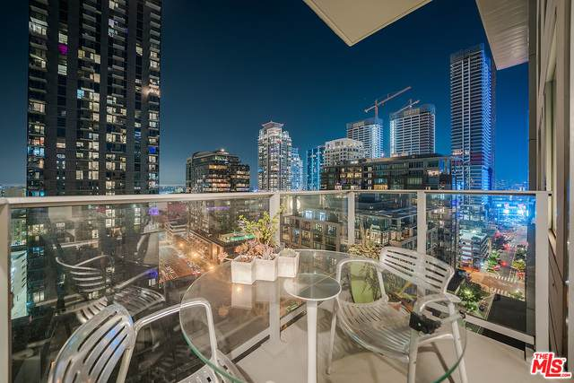 1050 S Grand #1703, Los Angeles, CA 90015 (#20-638964) :: TruLine Realty