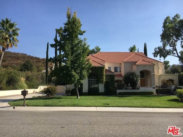 15530 Bronco Dr, Canyon Country, CA 91387 (#20-639164) :: The Suarez Team