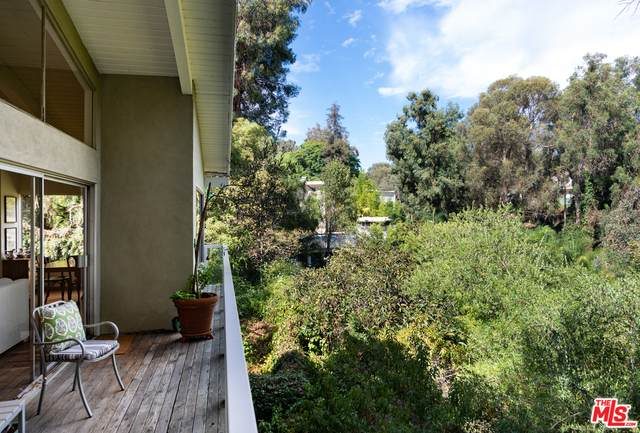 230 S Westgate Ave, Los Angeles, CA 90049 (#20-639682) :: Amazing Grace Real Estate | Coldwell Banker Realty