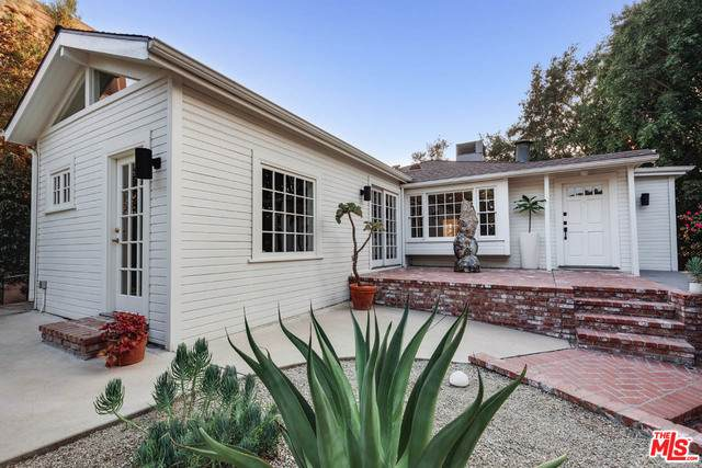 3872 Cazador St, Los Angeles, CA 90065 (#20-640926) :: Arzuman Brothers