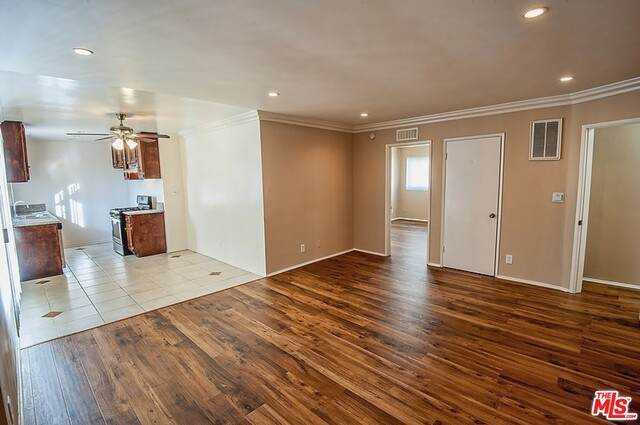 1437 Point View St - Photo 1