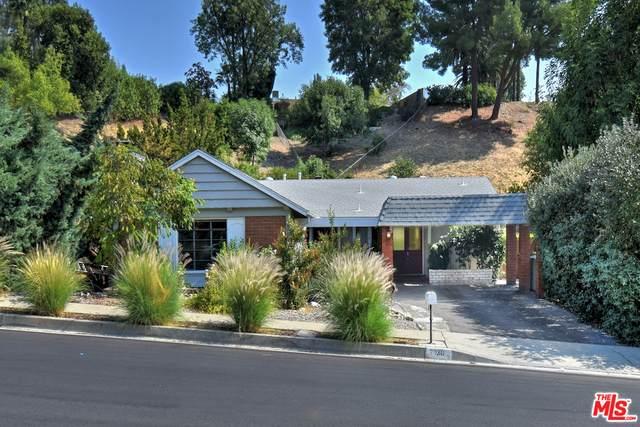 7130 Darnoch Way, West Hills, CA 91307 (#20-641732) :: The Suarez Team