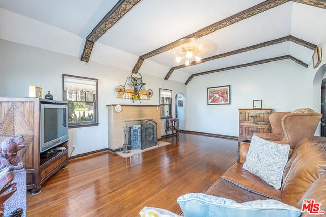 4617 W Avenue 40, Los Angeles, CA 90065 (#20-642040) :: Arzuman Brothers