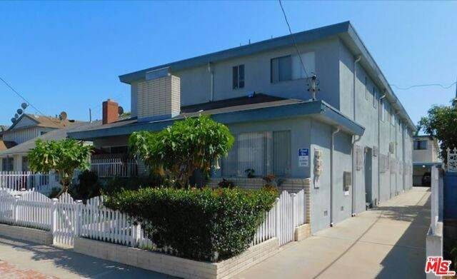 4086 W 142Nd St, Hawthorne, CA 90250 (#20-642486) :: The Parsons Team
