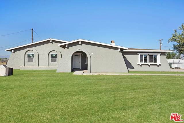 13478 Algonquin Rd, Apple Valley, CA 92308 (#20-642642) :: TruLine Realty