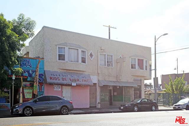 4706 S Vermont Ave, Los Angeles, CA 90037 (#20-643022) :: TruLine Realty