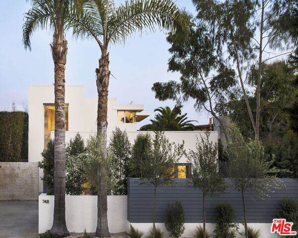 748 Palms Blvd, Venice, CA 90291 (#20-643392) :: The Grillo Group