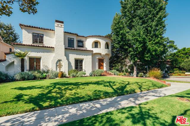 2751 Forrester Dr, Los Angeles, CA 90064 (#20-643722) :: The Parsons Team