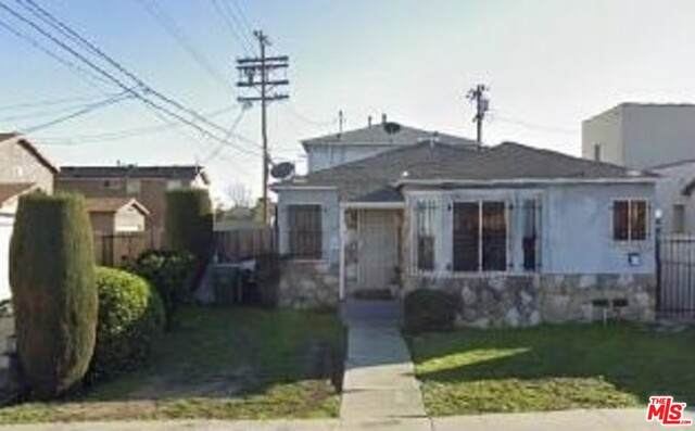 1410 W 90Th Pl, Los Angeles, CA 90047 (#20-644360) :: The Suarez Team