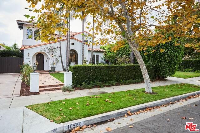 10560 Blythe Ave, Los Angeles, CA 90064 (#20-645314) :: The Parsons Team